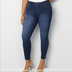 Old Navy | Curvy Mid Rise Skinny Jeans Medium Wash